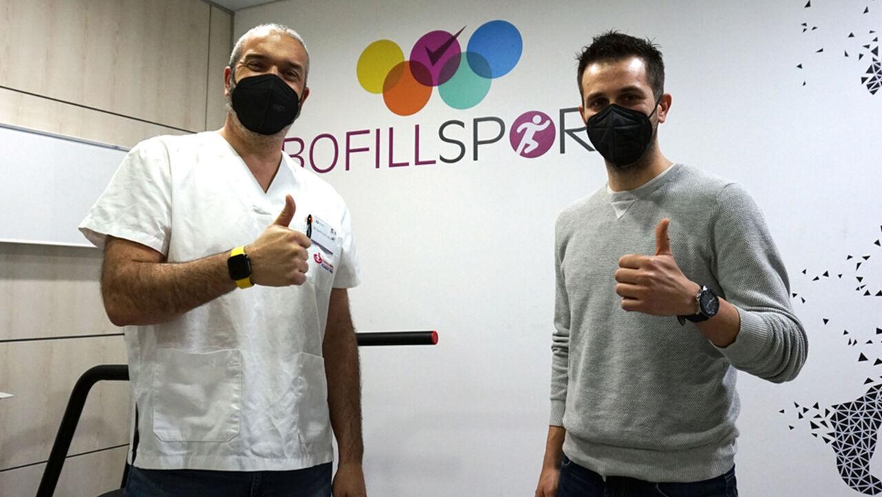 Dr. Dani Castillo con Adrià Ferrer, presidente del Club Esportiu l'Escala